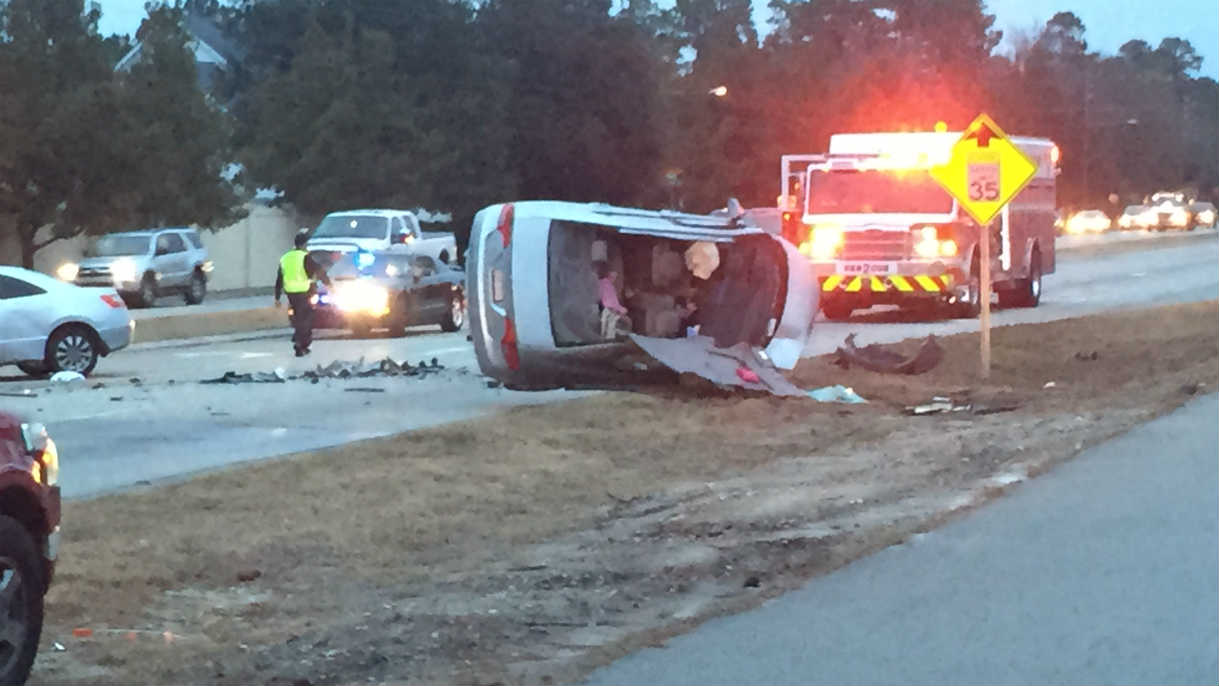 list of all road accidents in northcarolina united states road wilmington nc w charged in head on collision near independence blvd after she lost control and cross over the median and crash into an oncoming