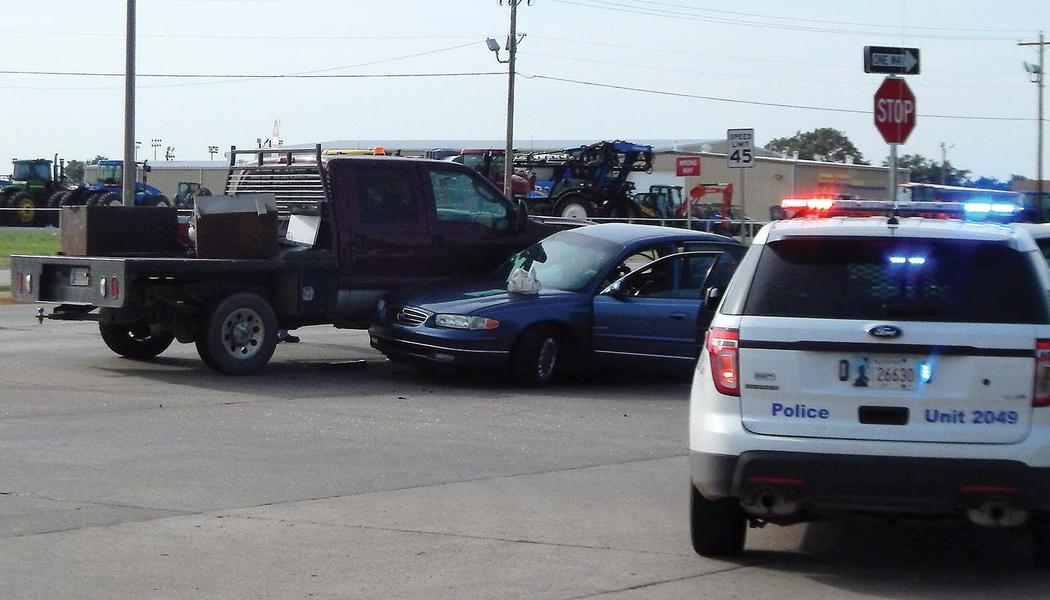 Enid (OK) United States  city pictures gallery : Enid, OK : Three vehicles were involved in a collision a Oxford and ...